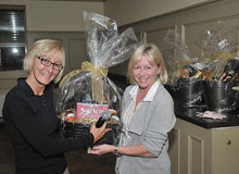Photo of RE/MAX/Children's Miracle Charity Golf Tournament prize winner