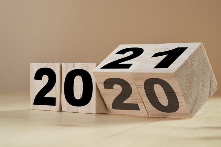 Flipping wooden cubes 2021
