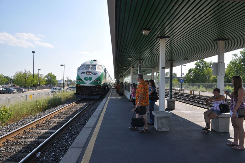 Burlington GO Station in Plains area of Burlington, Ontario