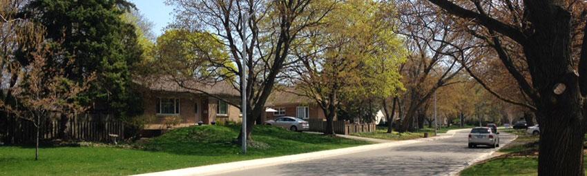Streetscape in the Shoreacres area of Burlington, Ontario