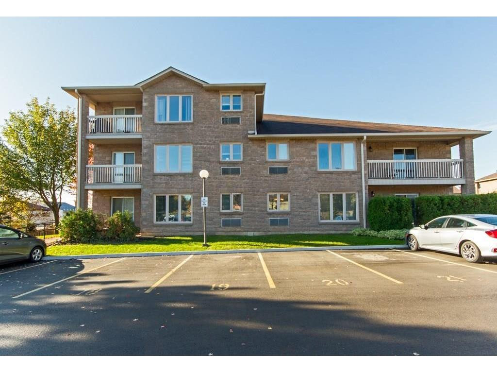 Photo of: MLS# H4008571 21-21-3050 PINEMEADOW Drive, Burlington |ListingID=2432